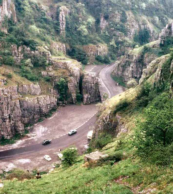 Cheddar Gorge  (Bild: Adrian Pingstone, Wikimedia)
