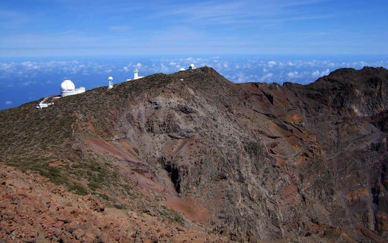 Observatorien am Roque de los Muchachos (Bild: Zyance, Wikimedia, CC)