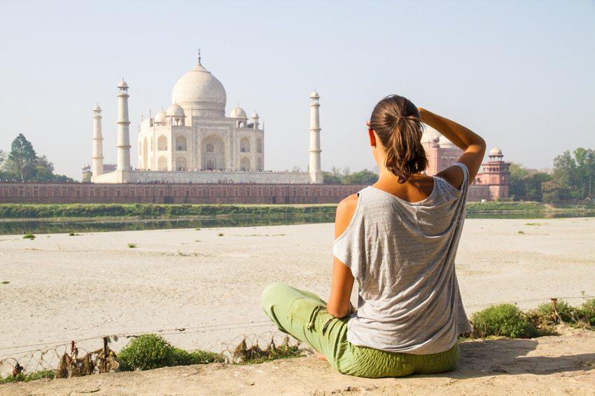 Individuelle Reise – auf eigene Faust auf Entdeckungsreise gehen. (Bild: benik.at / Shuttestock.com)