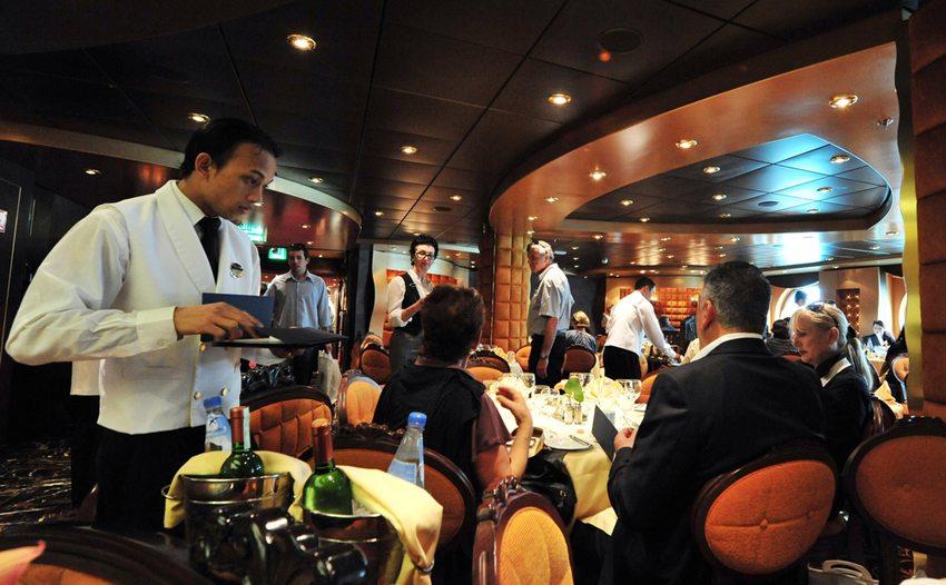 Luxus-Kreuzfahrtschiff MCS Splendida (Bild: ChameleonsEye / Shutterstock.com)