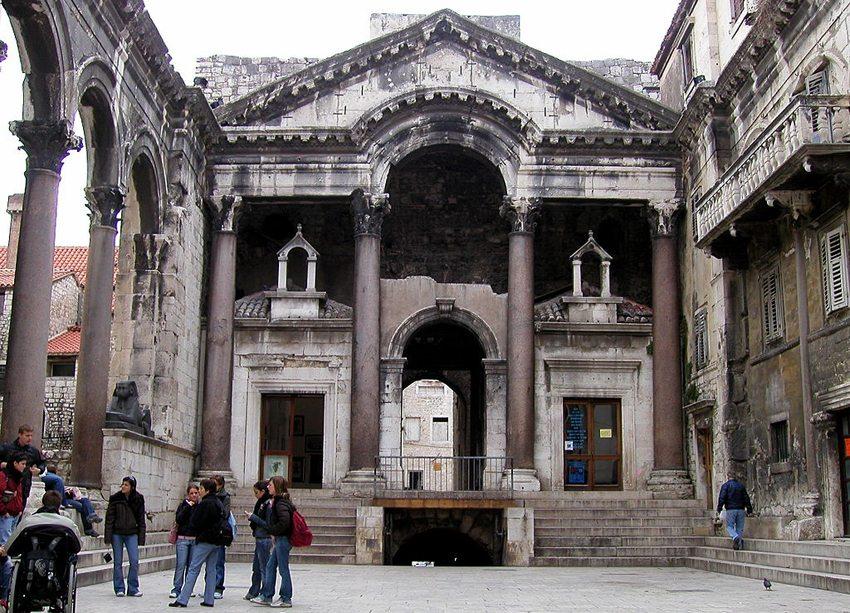 Diokletian-Palast in Split (Bild: Roman Klementschitz, Wikimedia, CC)