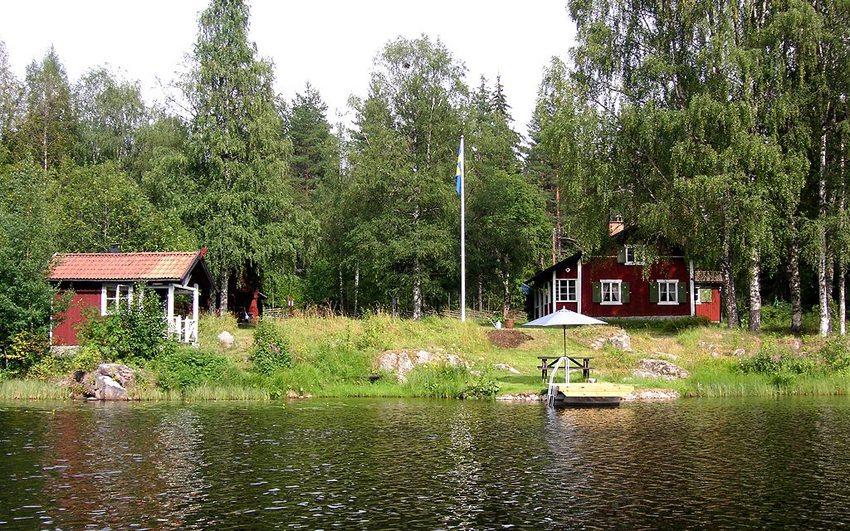Typische schwedische Sommarstuga in Dalarna (Bild: Holger.Ellgaard, Wikimedia, GNU) Schweden Ferien