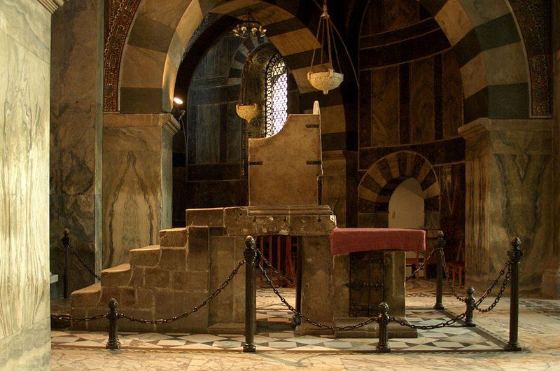 Karlsthron im Aachener Dom (Bild: Holger Weinandt, Wikimedia, GNU)