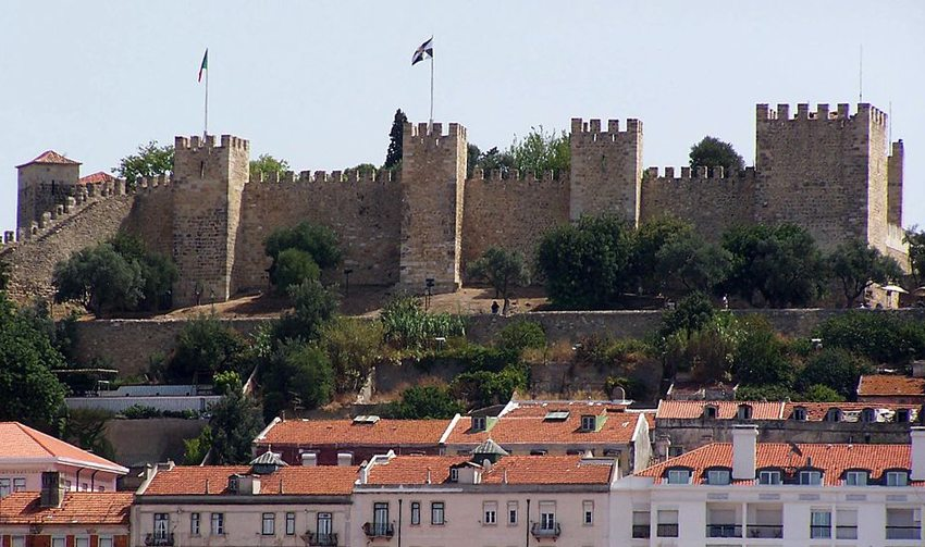 Castelo de São Jorge in Lissabon (Bild: fulviusbsas, Wikimedia, GNU)