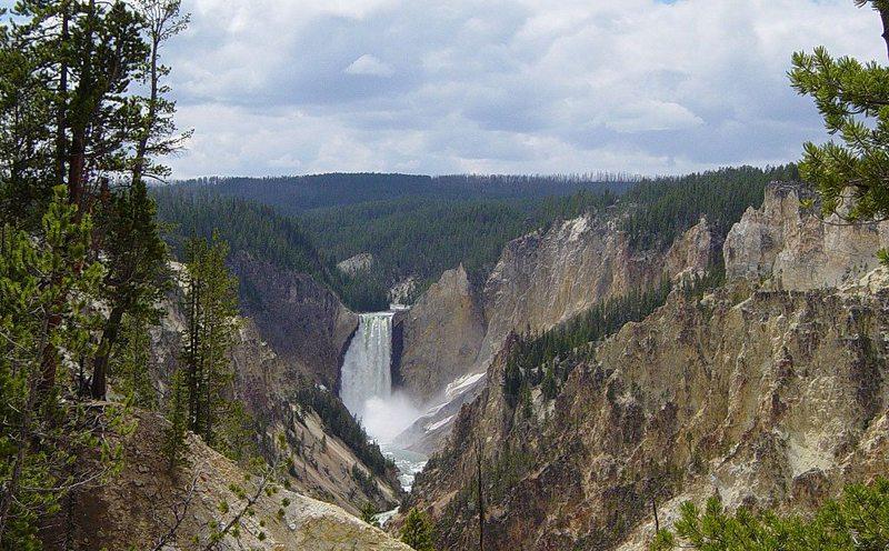 Lower Yellowstone Fall (Bild: Daniel Mayer, Wikimedia, CC) USA Reise