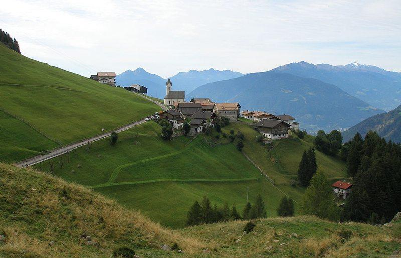 Prenn in der Gemeinde Schenna in Südtirol (Bild: Klaus Graf, Wikimedia, CC)