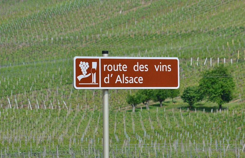 Eine der wohl schönsten Strassen Frankreichs ist die Elsässische Weinstrasse. (Bild: Florival fr, Wikimedia. CC)