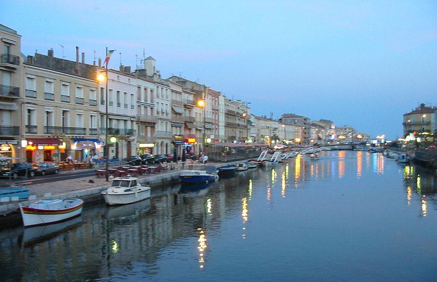 Abendstimmung in Sète (Bild: Tom Corser www.tomcorser.com, Wikimedia, CC)