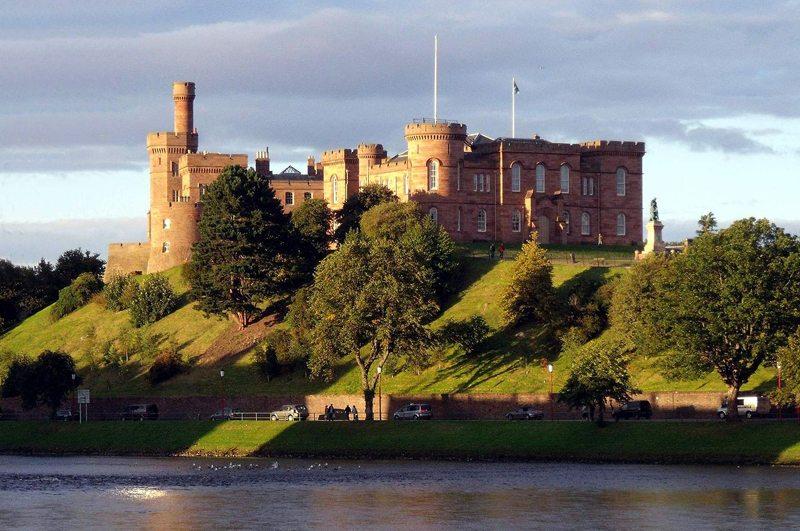 Inverness Castle (Bild: dave conner, Wikimedia, CC)