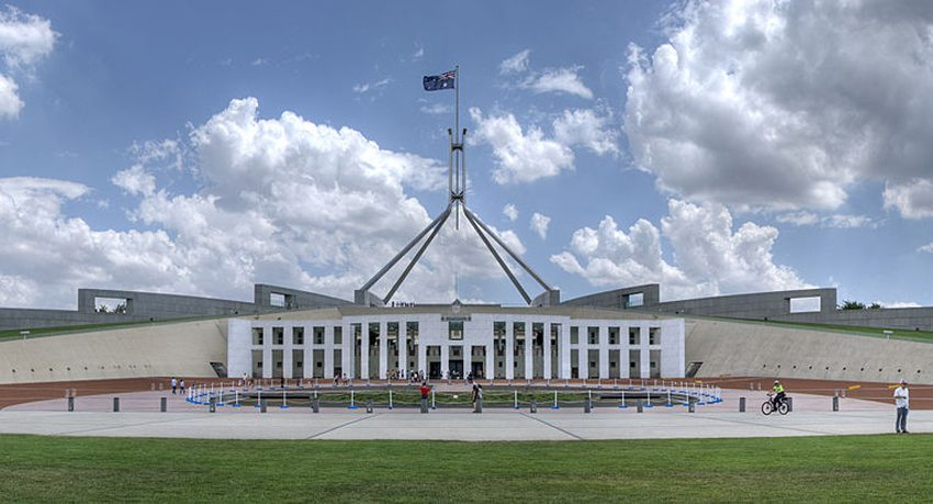 Parlamentsgebäude von Canberra (Bild: Ryan Wick, Wikimedia, CC)