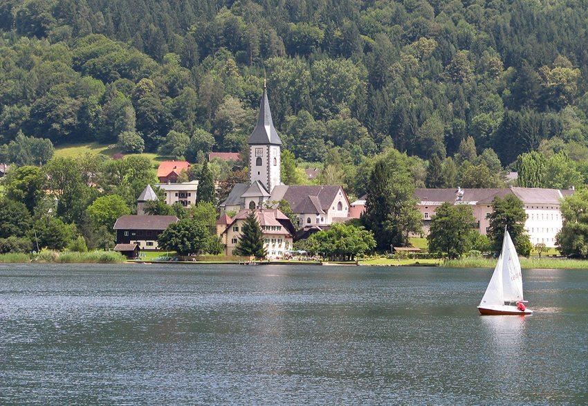 Ossiach und Ossiacher See (Bild: Thommy Weiss  / pixelio.de)