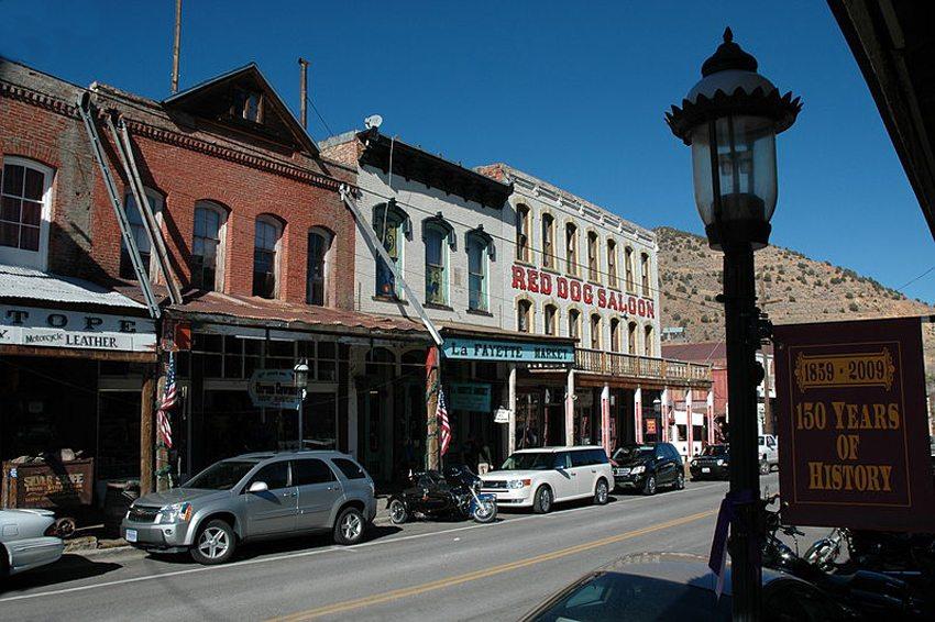 Im Zentrum von Virginia City (Bild: Vivaverdi, Wikimedia, CC) USA Reise
