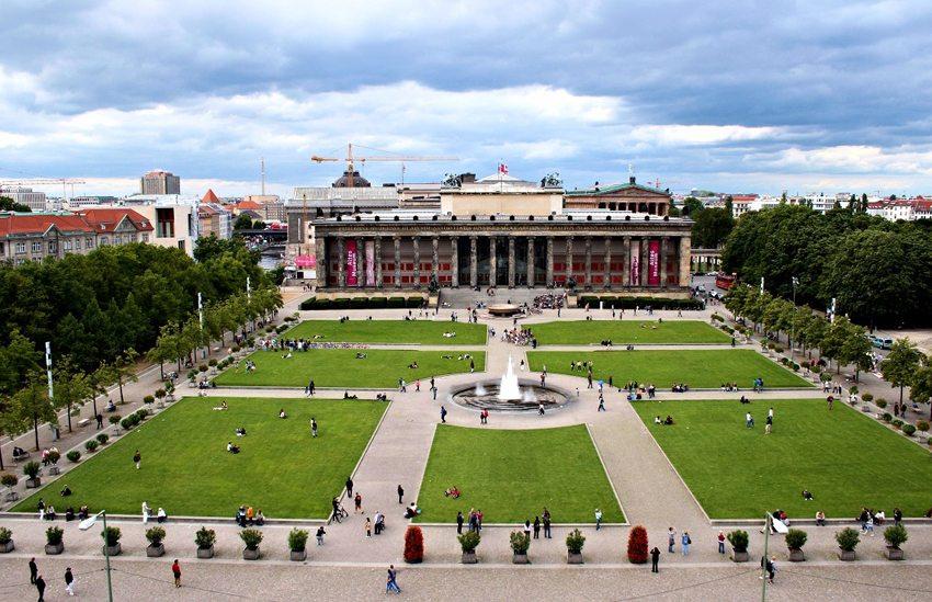 Das Alte Museum und der daran angrenzende Lustgarten (Bild: CruiseTommy, Wikimedia, CC)
