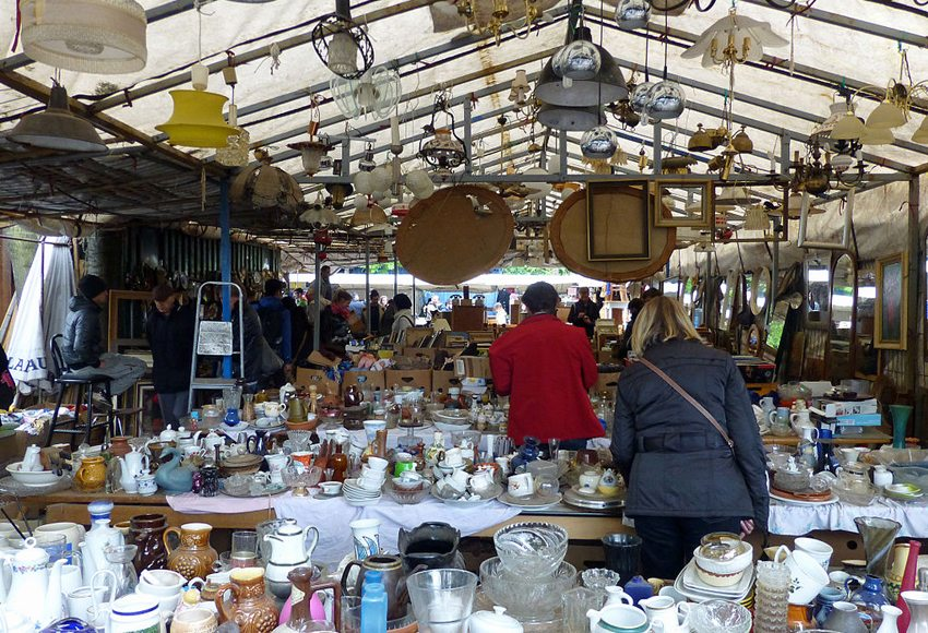 Der Flohmarkt am Mauerpark (Bild: Ji-Elle, WIkimedia, CC)