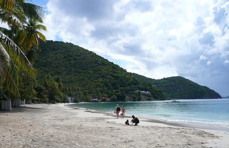 Cane Garden Bay Beach, Tortola (Bild: Legis, Wikimedia, CC)