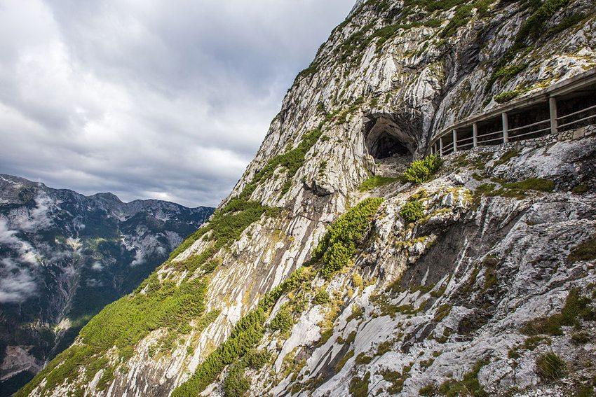 Eingang zur Eisenriesenwelt (Bild: Wolfgang Kritzinger, Wikimedia, CC)