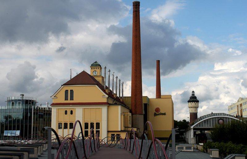 Alte und moderne Brauerei Pilsner Urquell (Bild: Dkriegls, Wikimedia)