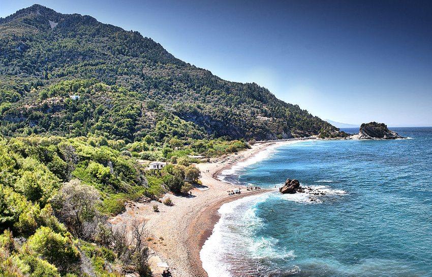 Potami-Bucht auf der Insel Samos (Bild Nicosanastassiou, Wikimedia)