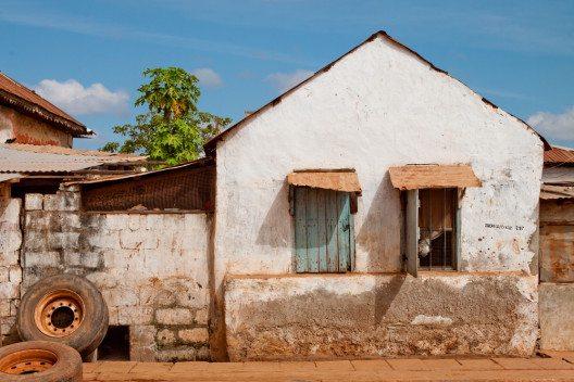 In der Hauptstadt Banjul (Bild: © Boudewijn Sluijk - shutterstock.com)