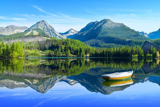 Auf den Betrachter wirkt die Hohe Tatra ausgesprochen alpin. (Bild: © Marcin Krzyzak - shutterstock.com)