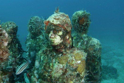 The Silent Evolution Skulptur im Unterwassermuseum Isla Mujeres (Bild: © Krofoto - shutterstock.com)