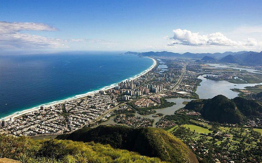 Blick auf das Viertel Barra da Tijuca, Rio de Janeiro (Bild: Barrazine da Barra, Wikimedia, CC)