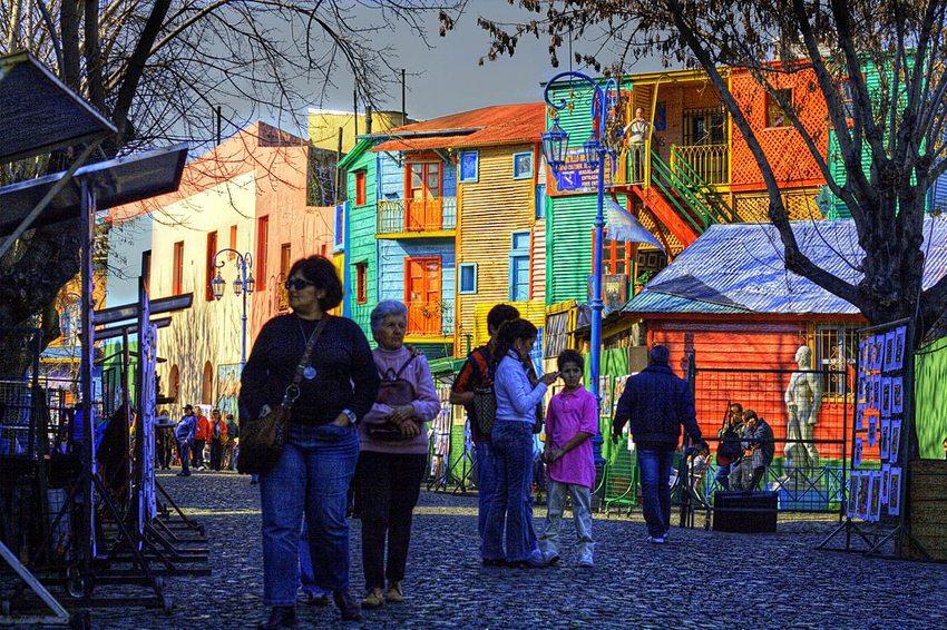 El Caminito in Buenos Aires (Bild: Luis Argerich, Wikimedia, CC)