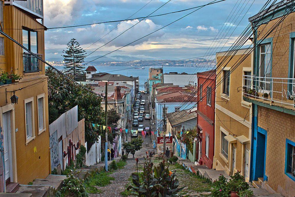 Unterwegs auf den Hügeln von Valparaíso (© Naslo.veliz / Wikimedia / CC)