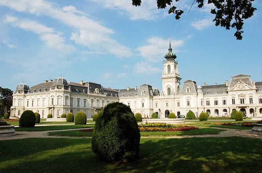 Barockschloss der Fürsten von Festetics in Keszthely (Bild: Wolfgang Glock, Wikimedia, CC)