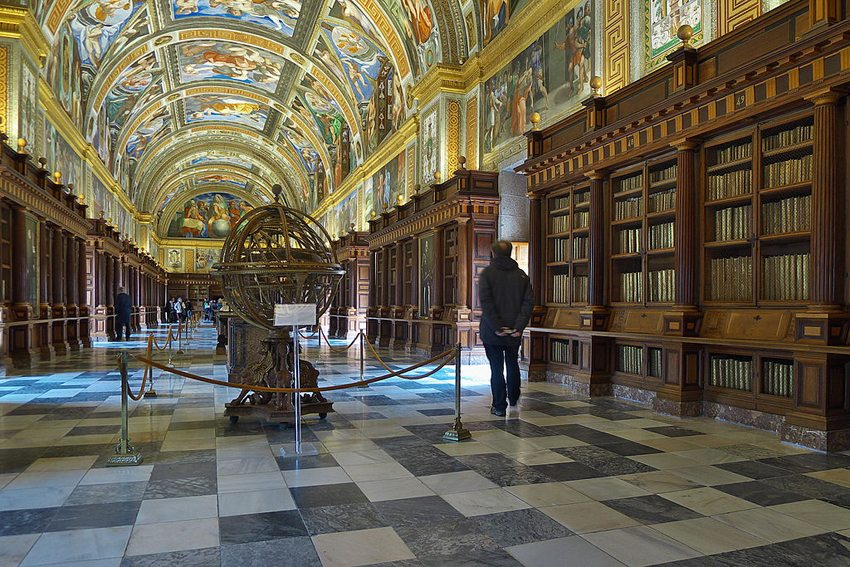 Real Biblioteca de San Lorenzo de El Escorial (Bild: Jose Luis Filpo Cabana, Wikimedia, GNU)