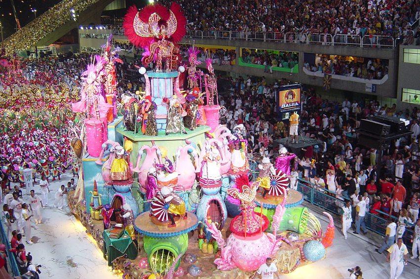 Karneval von Rio de Janeiro (Bild: Alan Betensley, Wikimedia)