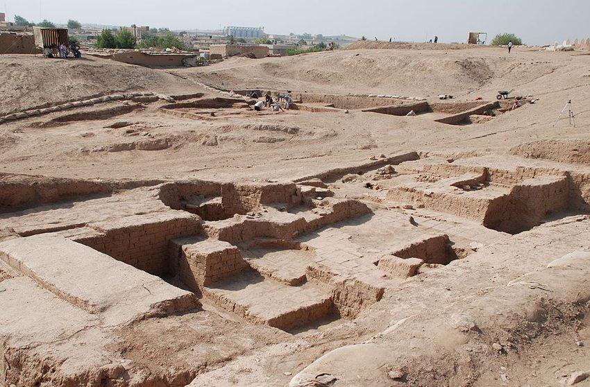 Tell Halaf in Syrien – Nordost-Palast von Nordoste (Bild: Bertramz, Wikimedia, CC)