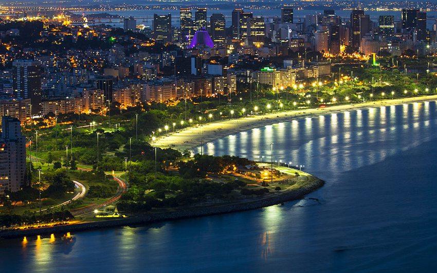 Rio de Janeiro bei Nacht (Bild: Pppires, Wikimedia, CC)