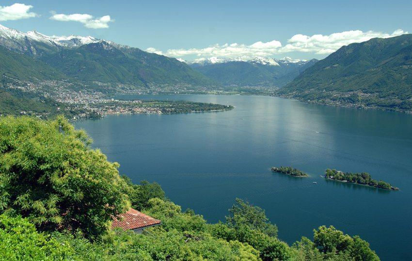 Mediterranes Flair am Lago Maggiore (Bild: Acp, Wikimedia, GNU) seen in der Schweiz