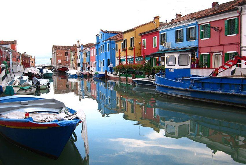 Die Burano-Insel in Venedig (Bild: 29cm, Wikimedia, CC)