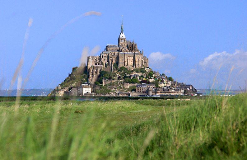 Der Mont Saint-Michel von Süden (Bild: Eric Pouhier, Wikimedia, CC)