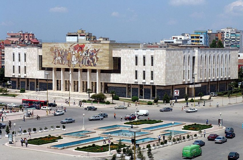 Skanderbeg-Platz in Tirana (Bild: The Central Intelligence Agency, Wikimedia)