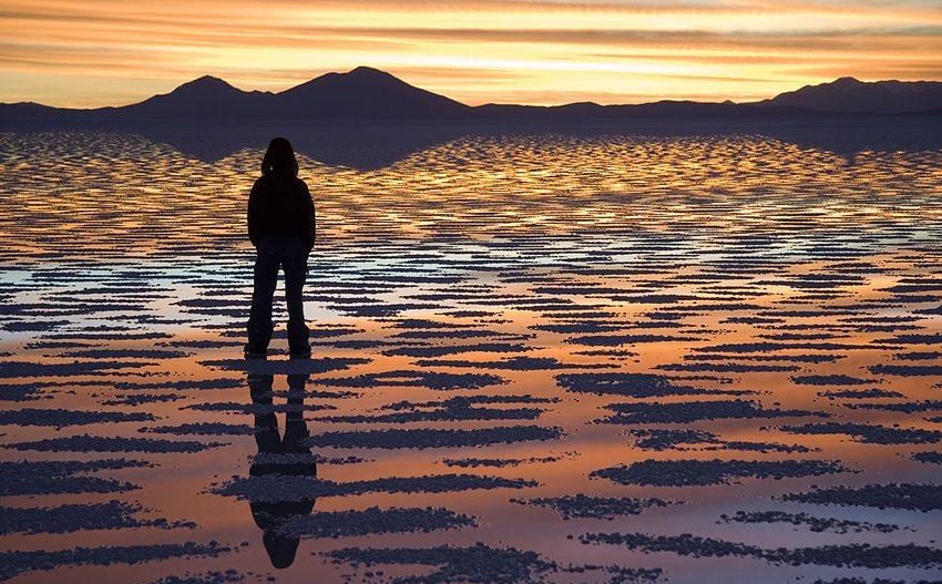 Sonnenuntergang in Salar de Uyuni (Bild: Hılalelifozkan, Wikimedia, CC)