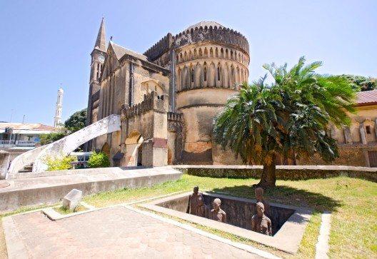 Erinnerung an Sklavenmarkt in Sansibar (Bild: © tr3gin - shutterstock.com)