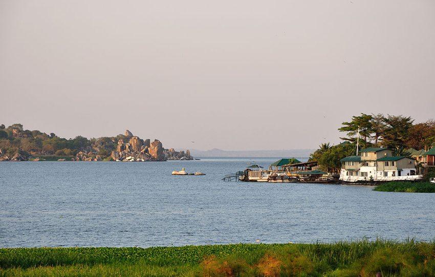 Unterwegs auf dem Viktoriasee (Bild: Hansueli Krapf, WIkimedia, CC)