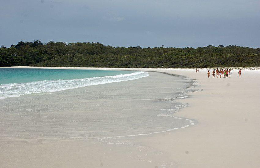 Hyams Beach – ein traumhafter Sandstrand. (Bild: albinfo, Wikimedia, CC)
