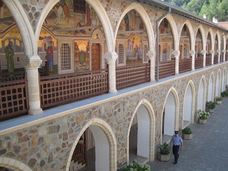 Prachtvolle Wandmalereien im Kloster Kykkos (© Dickelbers / Wikimedia / CC)