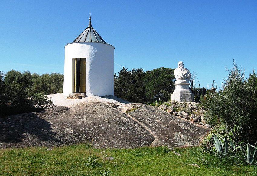 Garibaldi-Denkmal und Kapelle (Bild: Daniel Ventura, Wikimedia, GNU)