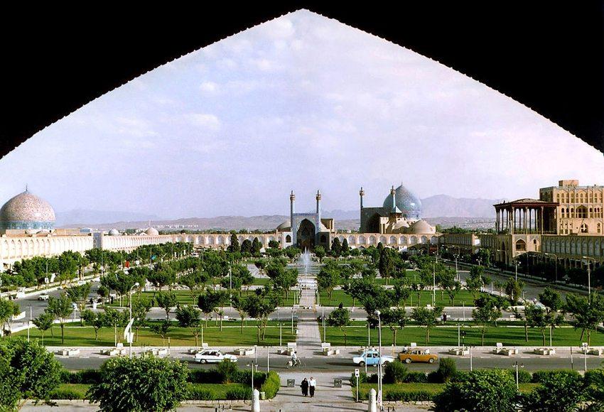 Der Imam-Platz – die Mitte Isfahans. (Bild: Arad Mojtahedi, Wikimedia, GNU)
