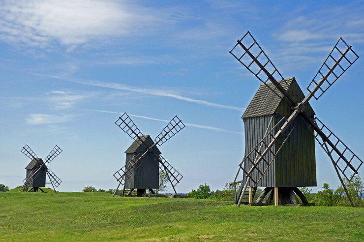 Windmühlen bei Mysinge (© Allie_Caulfield / Wikimedia / CC)