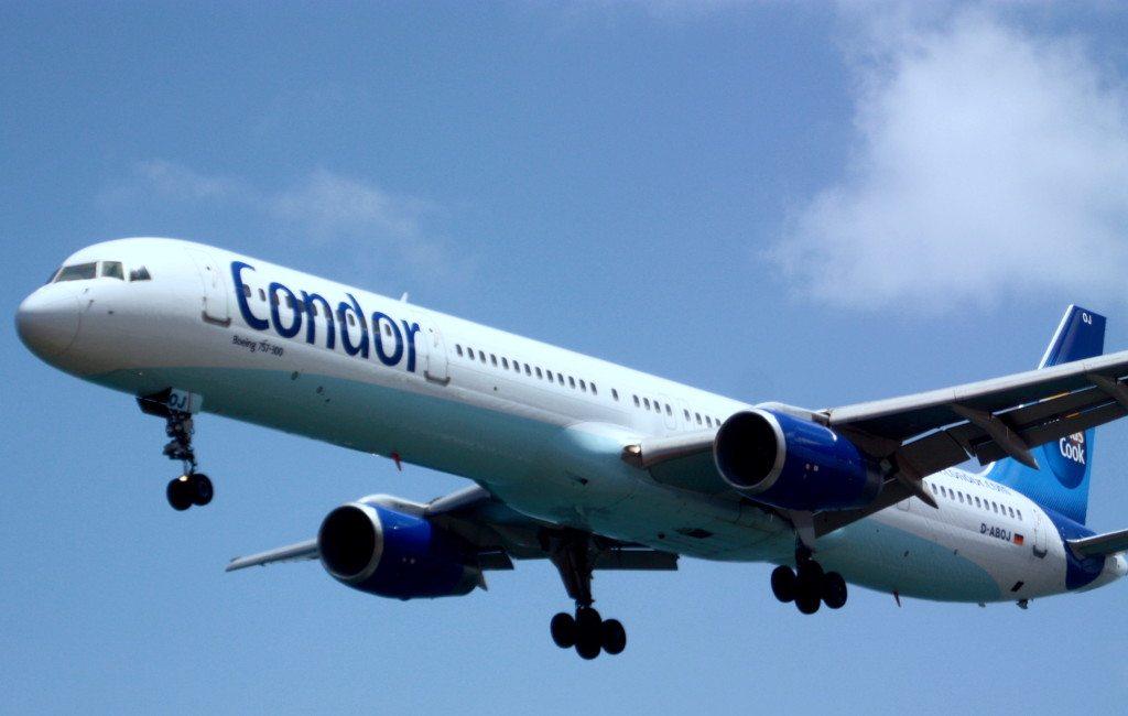 Viele Anbieter verkaufen Resttickets für Charterflüge besonders günstig. (© Uli Carthäuser  / pixelio.de)