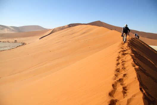 Wüstendüne in Sossusvlei (Bild: © Hector Ruiz Villar - shutterstock.com)