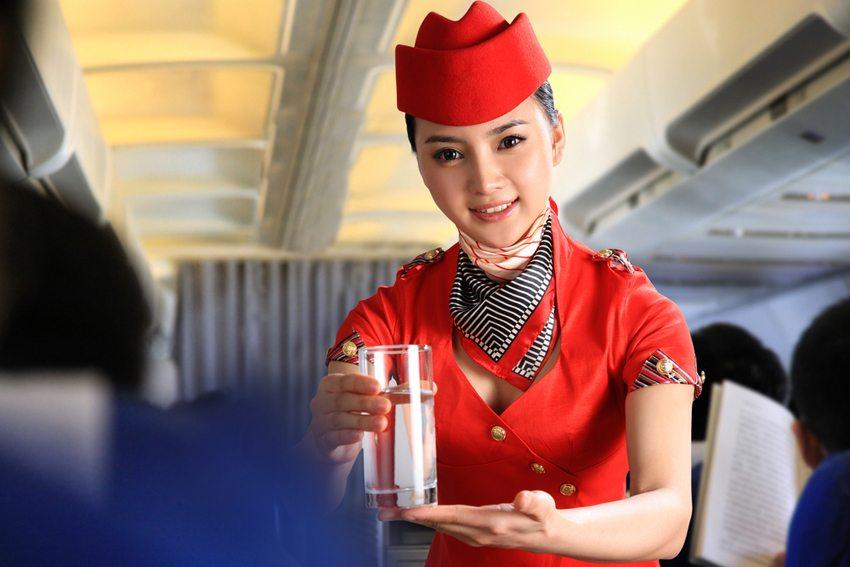 Kostenfalle – Verpflegung (Bild: Chinaview / Shutterstock.com)