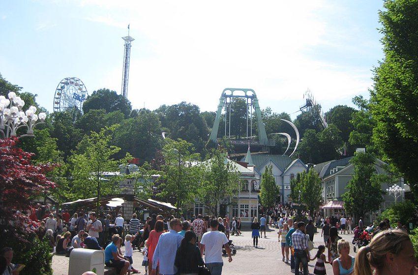 Vergnügungspark auf dem Liseberg in Göteborg (Bild: Albin Olsson, Wikimedia, CC)