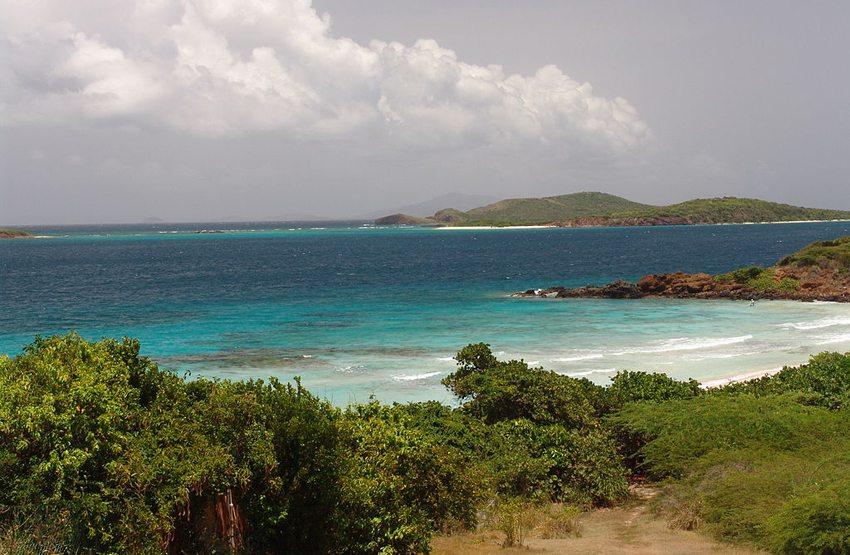 Playa Flamenco in Puerto Rico (Bild: Hmalaret, Wikimedia, CC)